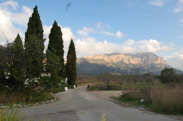 Foto recorrido al Montgo y los cipreses